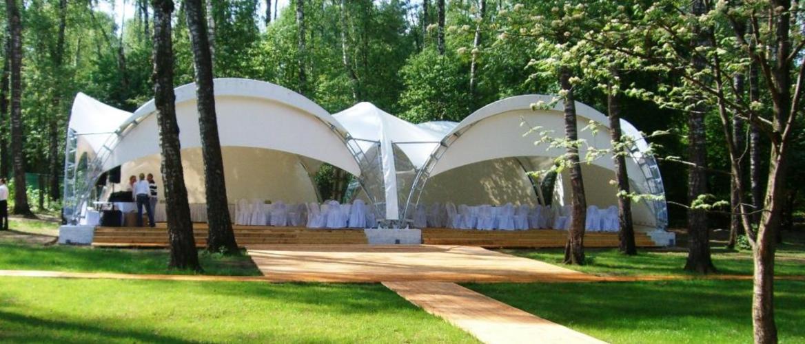 Большие каркасные шатры для ресторанов